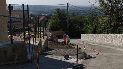 Stavba zoborskej fary (258/336)