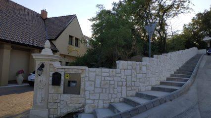 Stavba zoborskej fary (320/336)