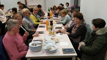Adventná večera na fare pre naše žienky - upratovačky (4/6)